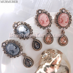 MURMURER Cameo Antique M Size Bold Earrings 1pair