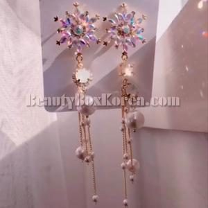BLING STAR Cubic Snowflake Unbalance Drop Earrings 1pair