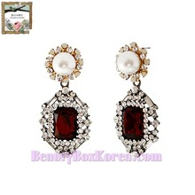 STRAWBERRY SHERBET Renaissance Ruby Pearl Black Earrings 1pair